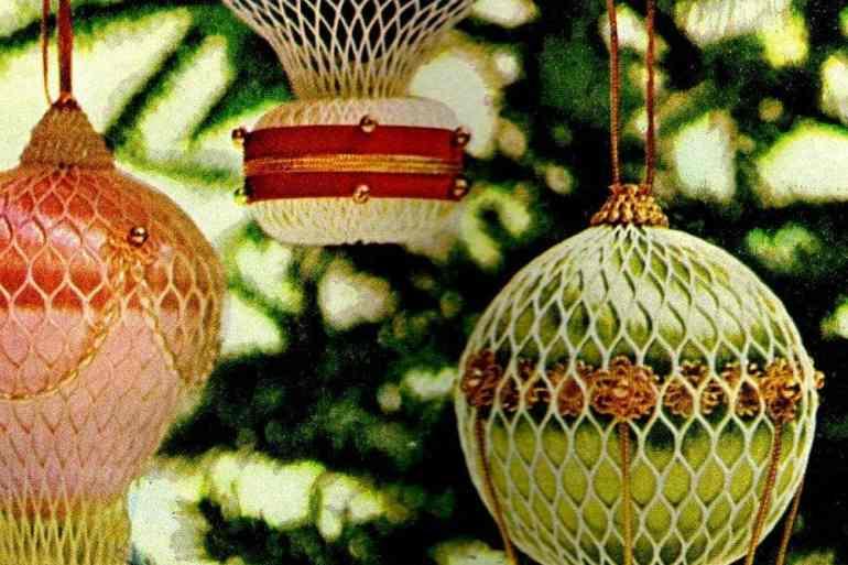 Dazzling, jewel-like Christmas balloon craft (1967)