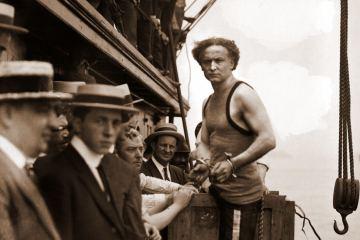 Harry Houdini stunt 1912