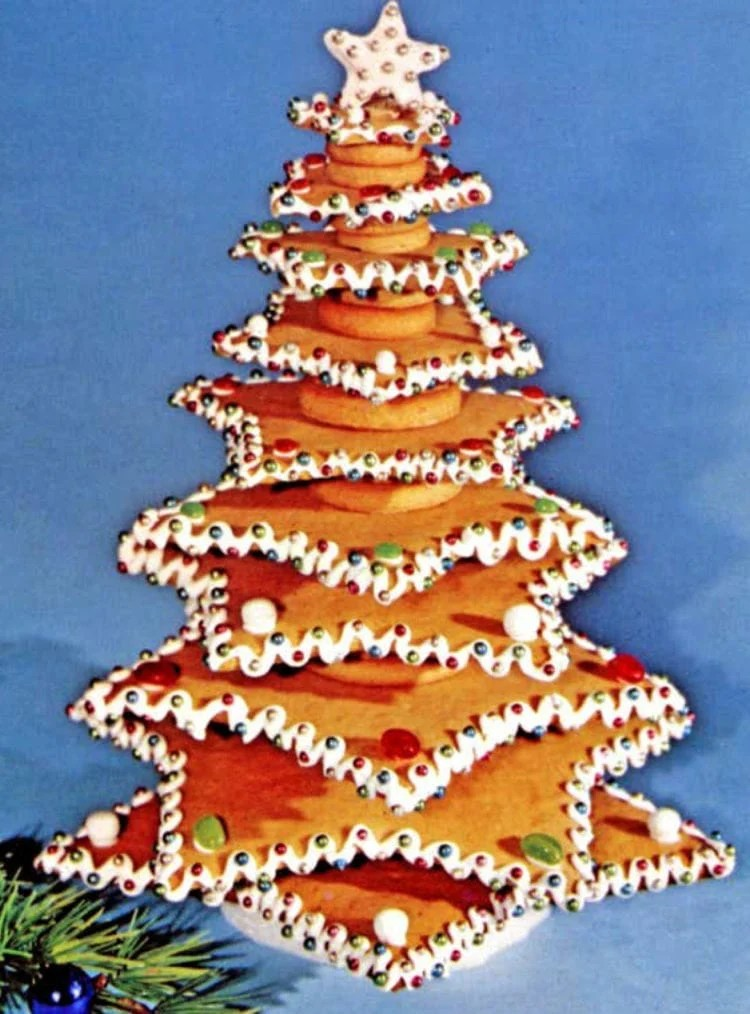 How to make an edible Christmas tree out of star-shaped cookies - Vintage recipe (3)