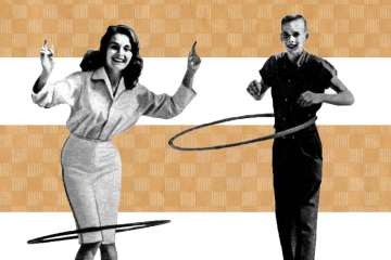Hula hooping in the 50s (1)