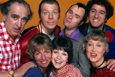 Laverne and Shirley cast photo