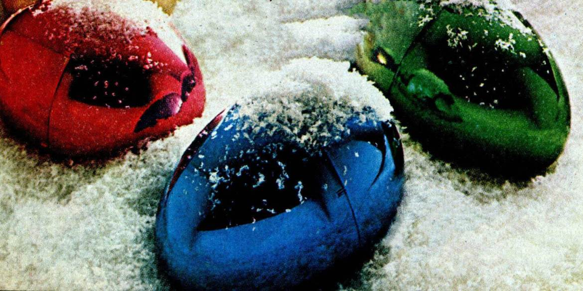 L'eggs pantyhose eggs in metallic gold, silver, red, blue, green for Christmas (1973)