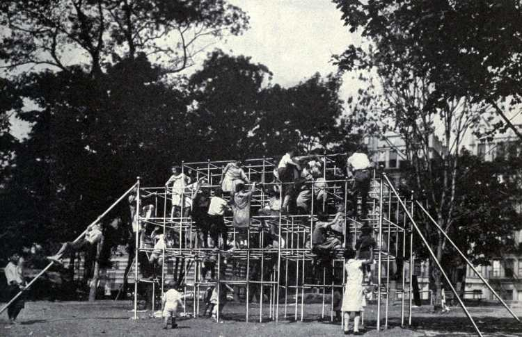 Old playground equipment and fun for kids from the 1920s (10)
