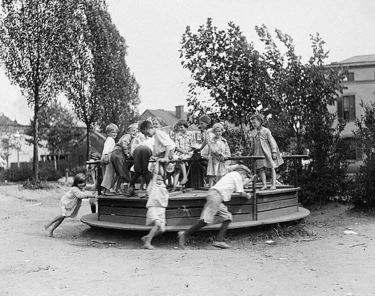 Playground 1919-1920