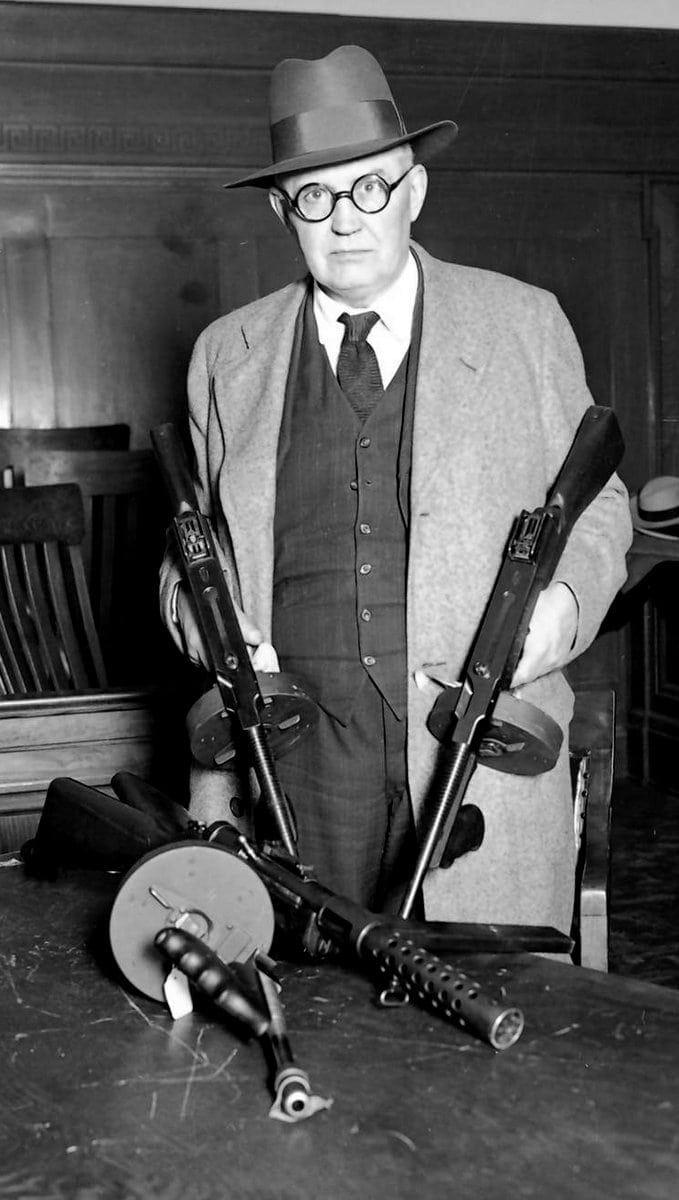 Police Capt. William Schoemaker machine guns St Valentine's Day Massacre