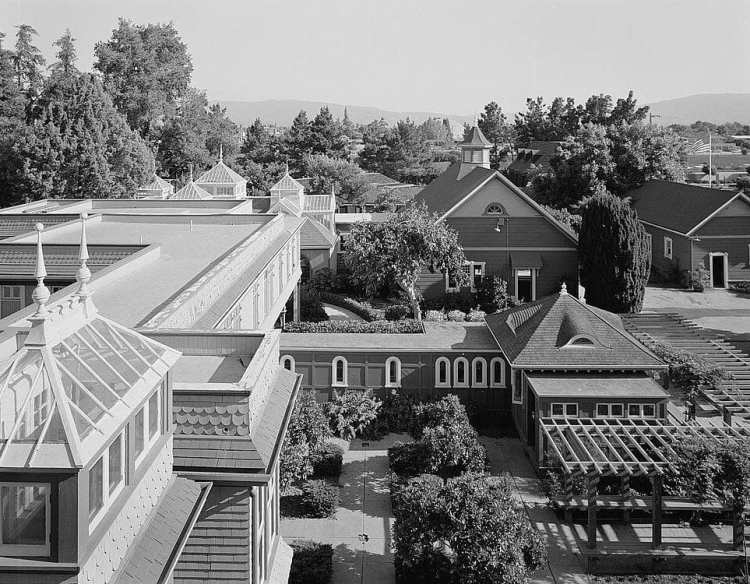 Rambling Winchester House