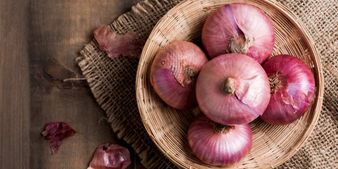 red onions in basket