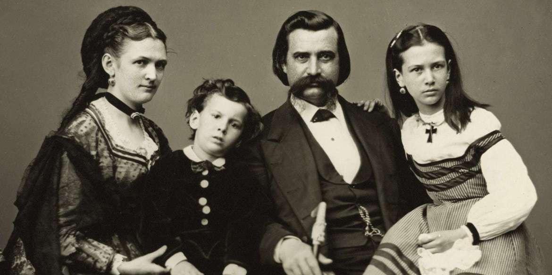John Logan with wife Mary Simmerson Cunningham Logan, son Manning Alexander Logan, and daughter Mary Elizabeth Dollie Logan (c1870)