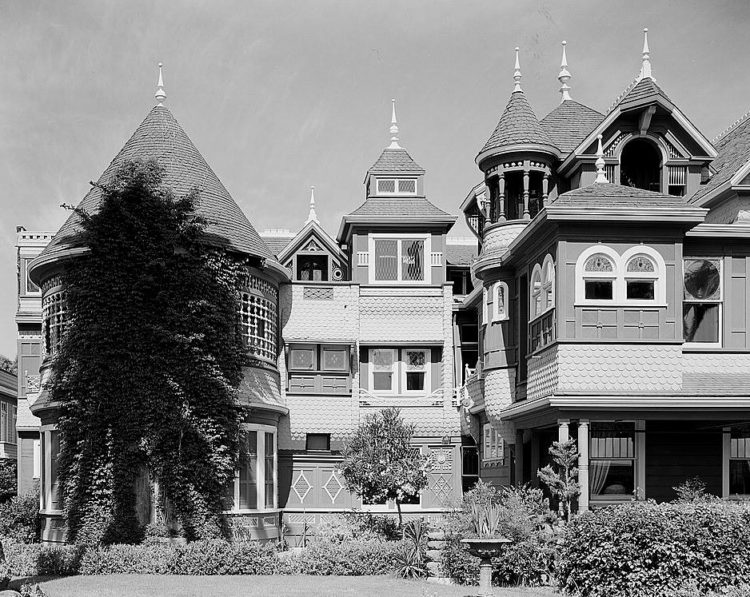 Winchester Mystery House cuew
