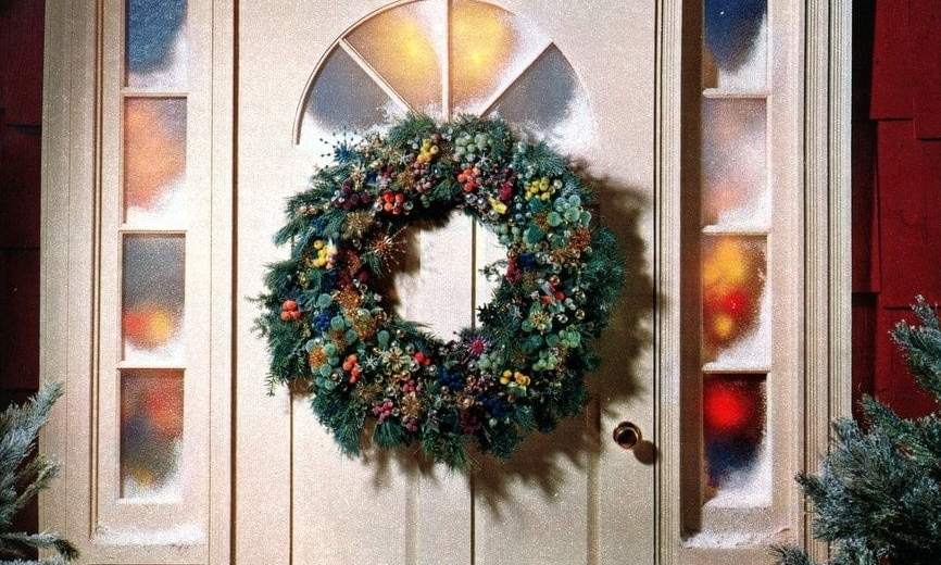 Make A Welcoming Christmas Wreath For Your Front Door 1962 Click