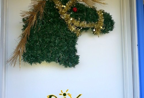 DIY horse wreath in less than 30 minutes (with instruction video)