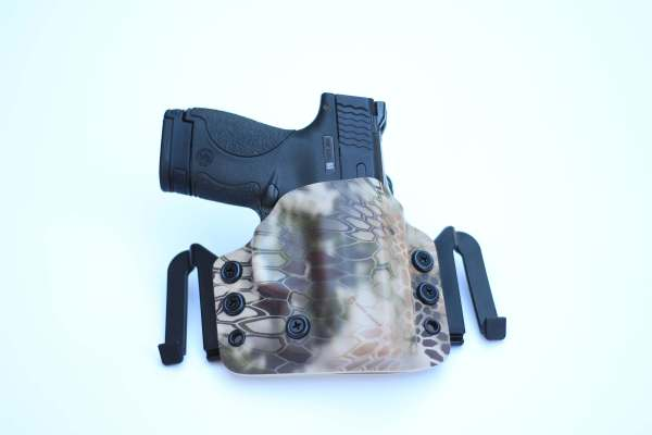 OWB (outside of the waistband) brigandine custom kydex holster for glock 43 made by click holsters