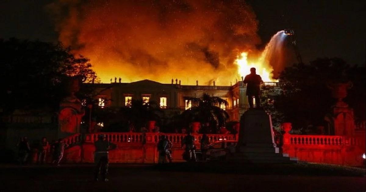 Por que os Museus estão queimando no Brasil?