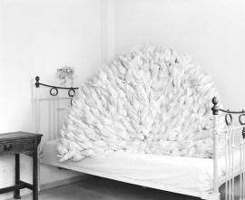 יובל-אצילי---טבע-דומם-על-מיטה