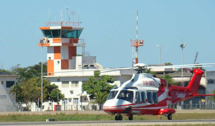 helicóptero macaé offshore avião comercial