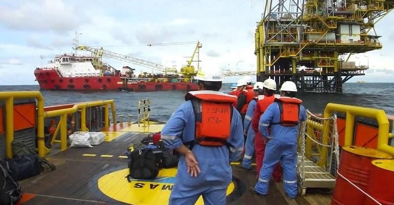 Resultado de imagem para técnicos offshore