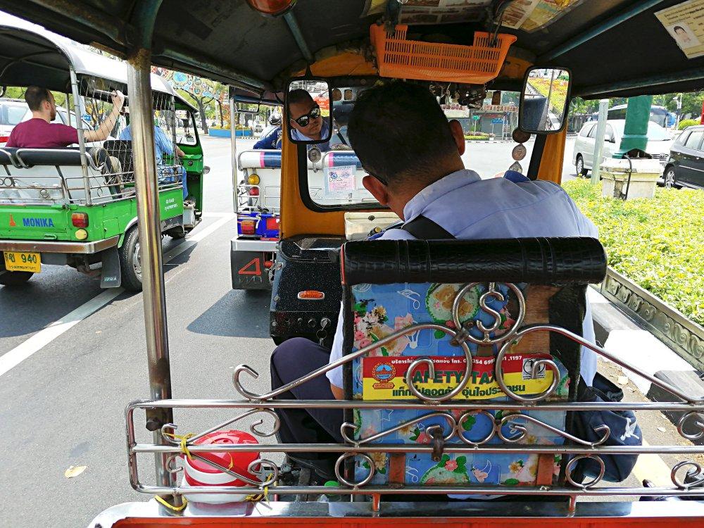 A Bangkok in Tuk Tuk con Sunan