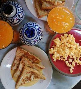 Colazione a Bangkok con french toast