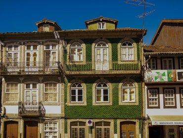 Da Porto a Guimaraes: costruzioni tipiche verso il centro storico