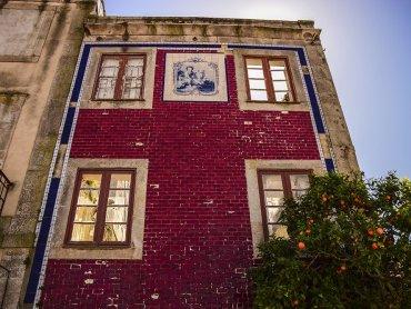 Porto Particolare della facciata di una Casa Tipica