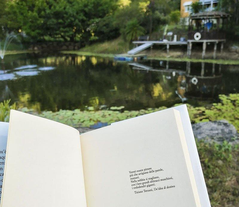 Viaggiare con un libro