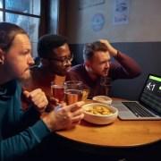 apostas esportivas online, amigos a mesa