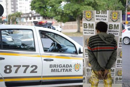 Brigada Militar prende homem por furto em residência