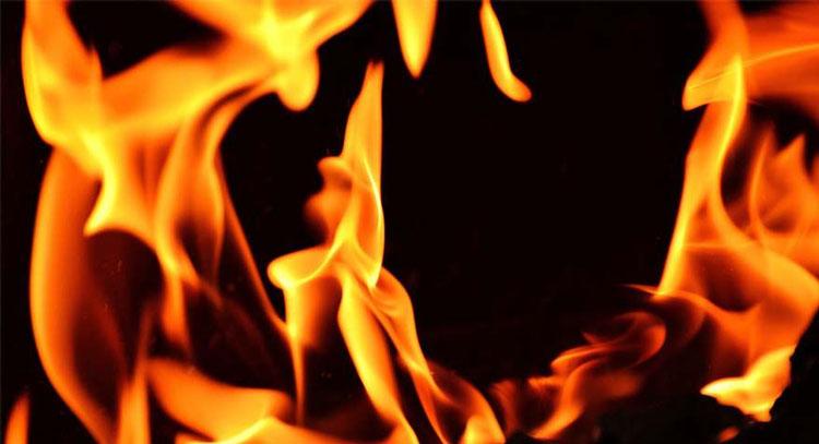 Incêndio destrói residência, em Tapes
