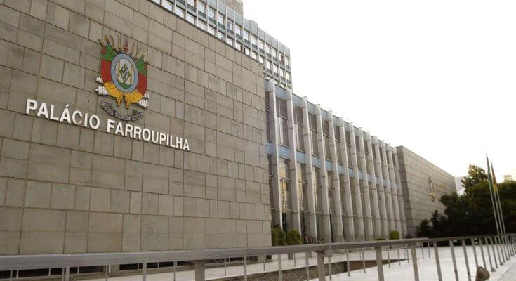 """Deputados estaduais podem receber até R$ 50,6 mil de """"auxílio-mudança"""""""