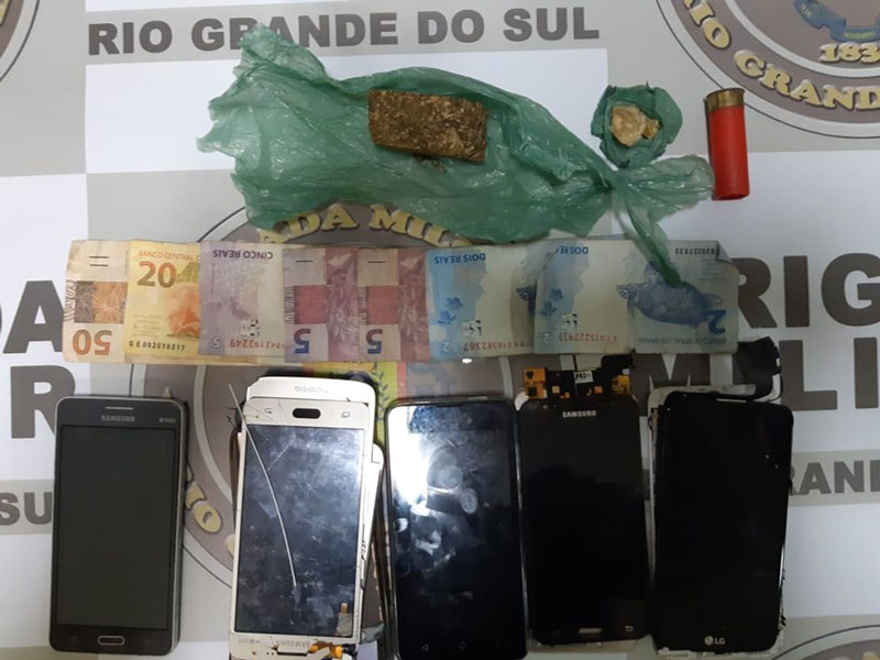Brigada Militar prende homem por tráfico de drogas, em Camaquã
