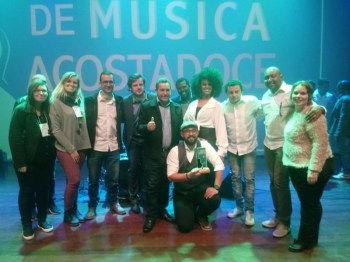 festival_acostadoce002