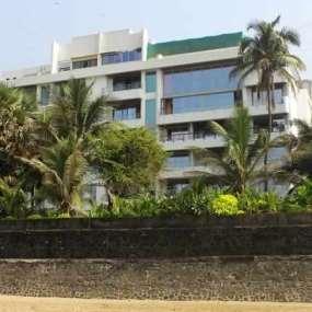 Akshay Kumar's bungalow at Pali hill