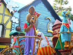 essel-world-characters-parade