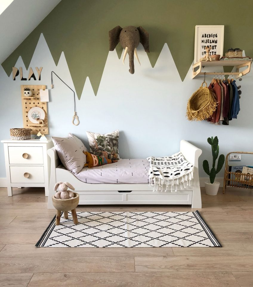 mountain bedroom fit for an explorer kids