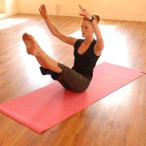 rachel quigg pilates pose