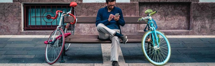 man-smartphone-sitting-waiting-584396