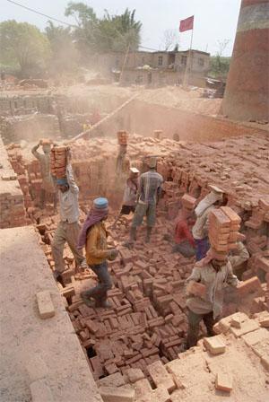 Nepal-Brickworkers1