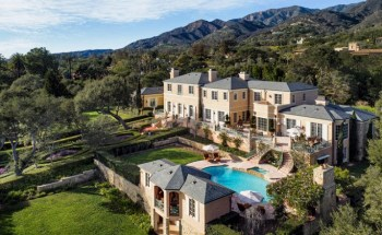 Gore's seaside mansion in sunny California