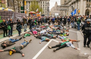 climate activists block traffic