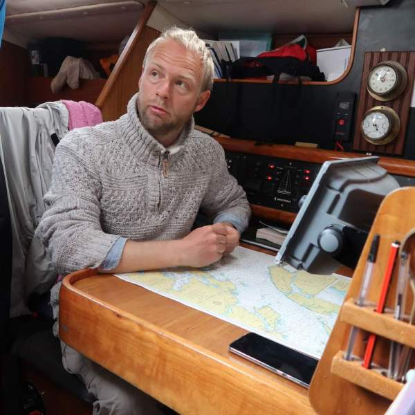 Sail Britain's director, Oliver Beardon, leading the Coastline Project trip