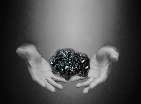 The present in our hands - coal. Image by Yky.