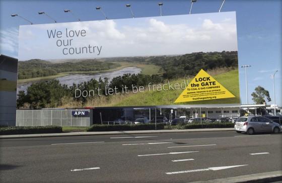 huge-billboard_w-fracktext