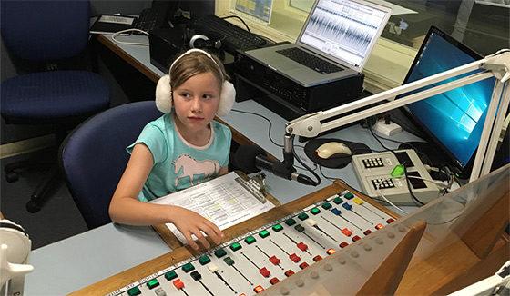 eva-in-radiostudio560