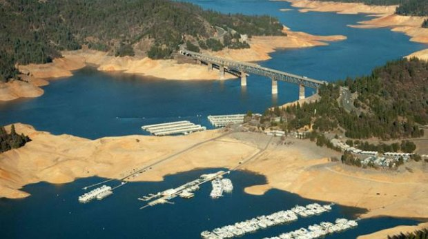 Folsom-Lake-USA-drought-before-after-6