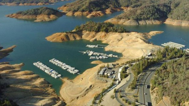 Folsom-Lake-USA-drought-before-after-8