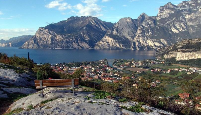 Dlaczego warto pojechać nad jezioro Garda