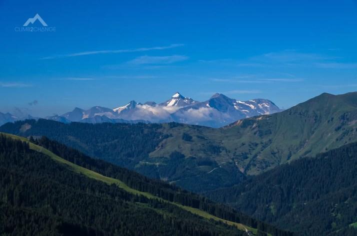 Widok na Alpy z wycieczki na ferratę Konigsjodler