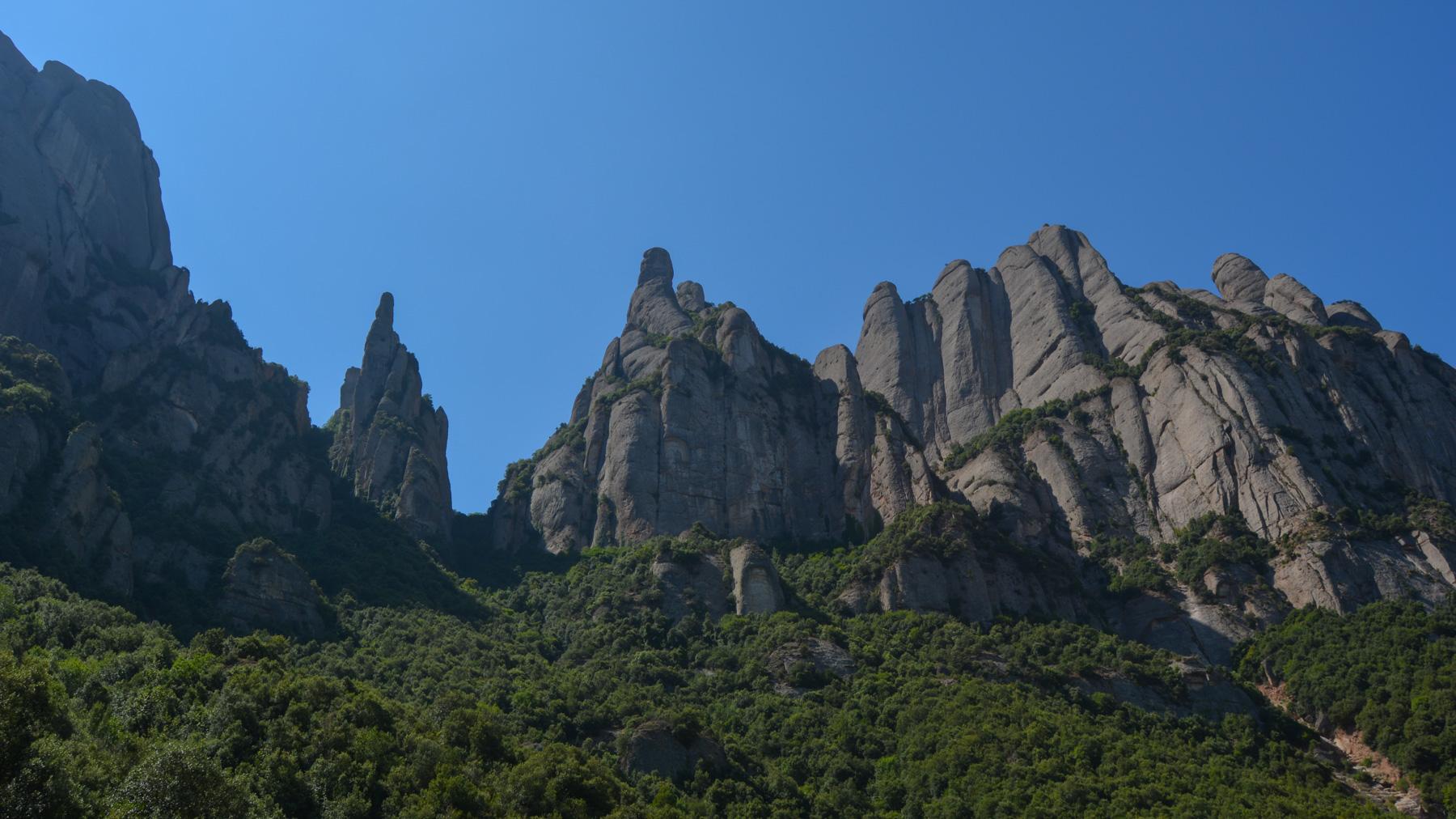 Travessa Agulles i Frares Encantats, Montserrat 2