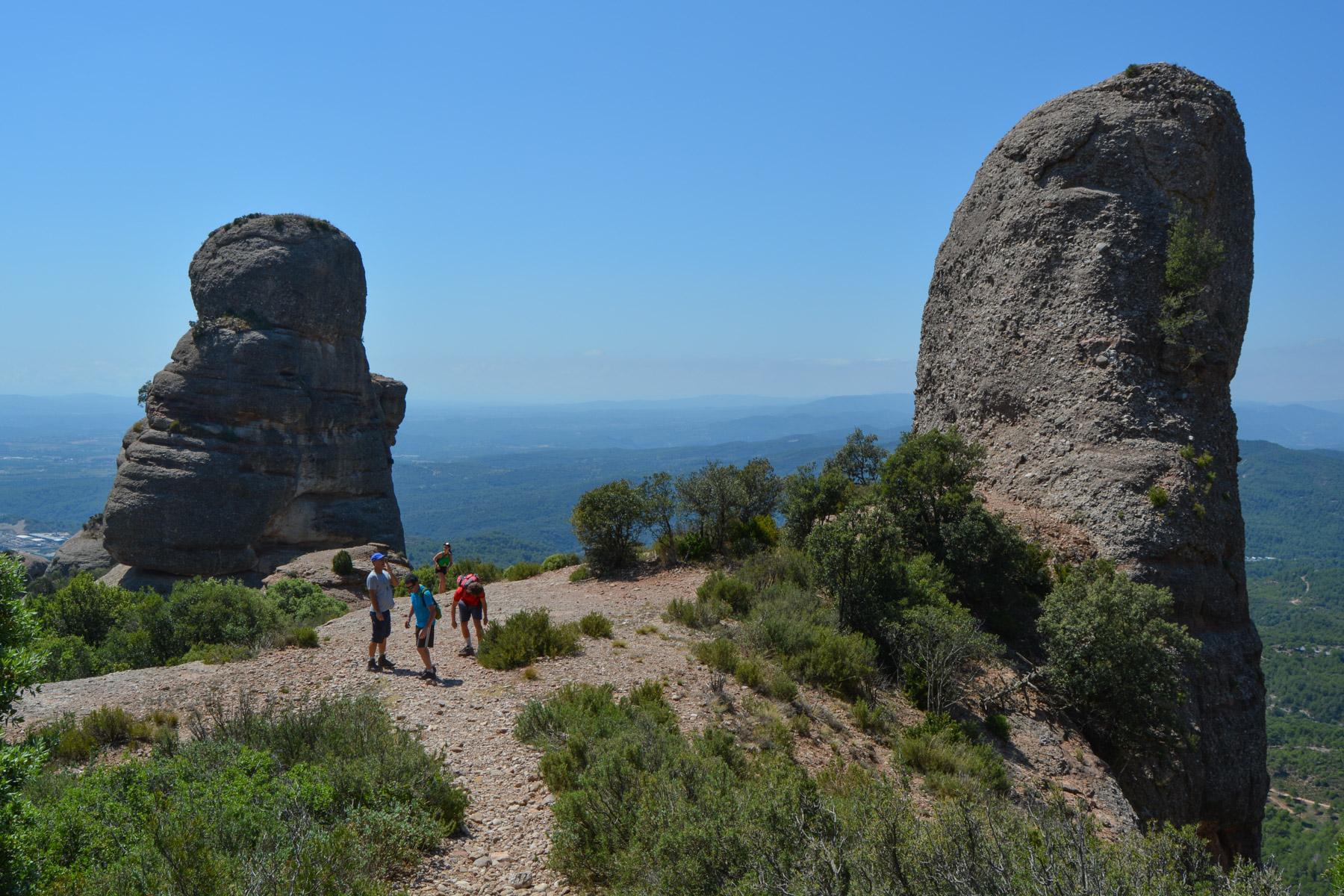 Travessa Agulles i Frares Encantats, Montserrat 6