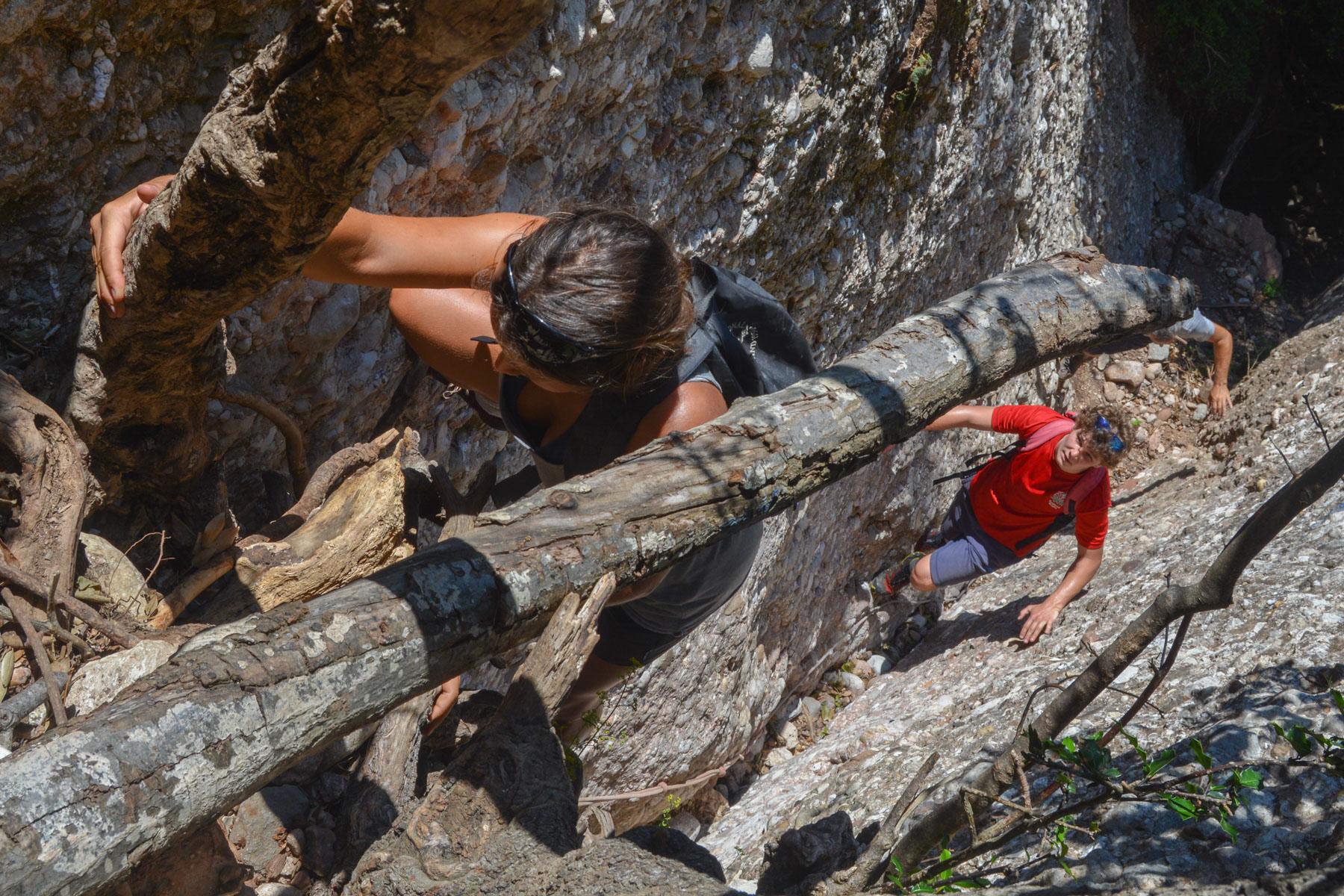 Travessa Agulles i Frares Encantats, Montserrat 25